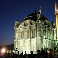 Muchas de las gemas arquitectónicas de Estambul son trabajos de la familia Balyan.